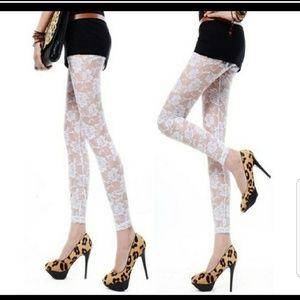 *White Floral Leggings*NWOT*